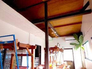 宝島の芭蕉布工房の織り機