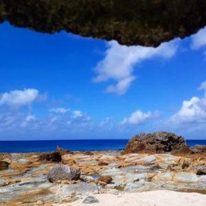宝島の誰もいない朝のビーチ