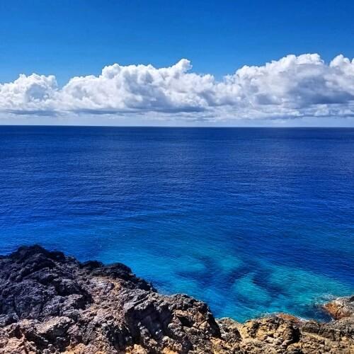 トカラブルーの海